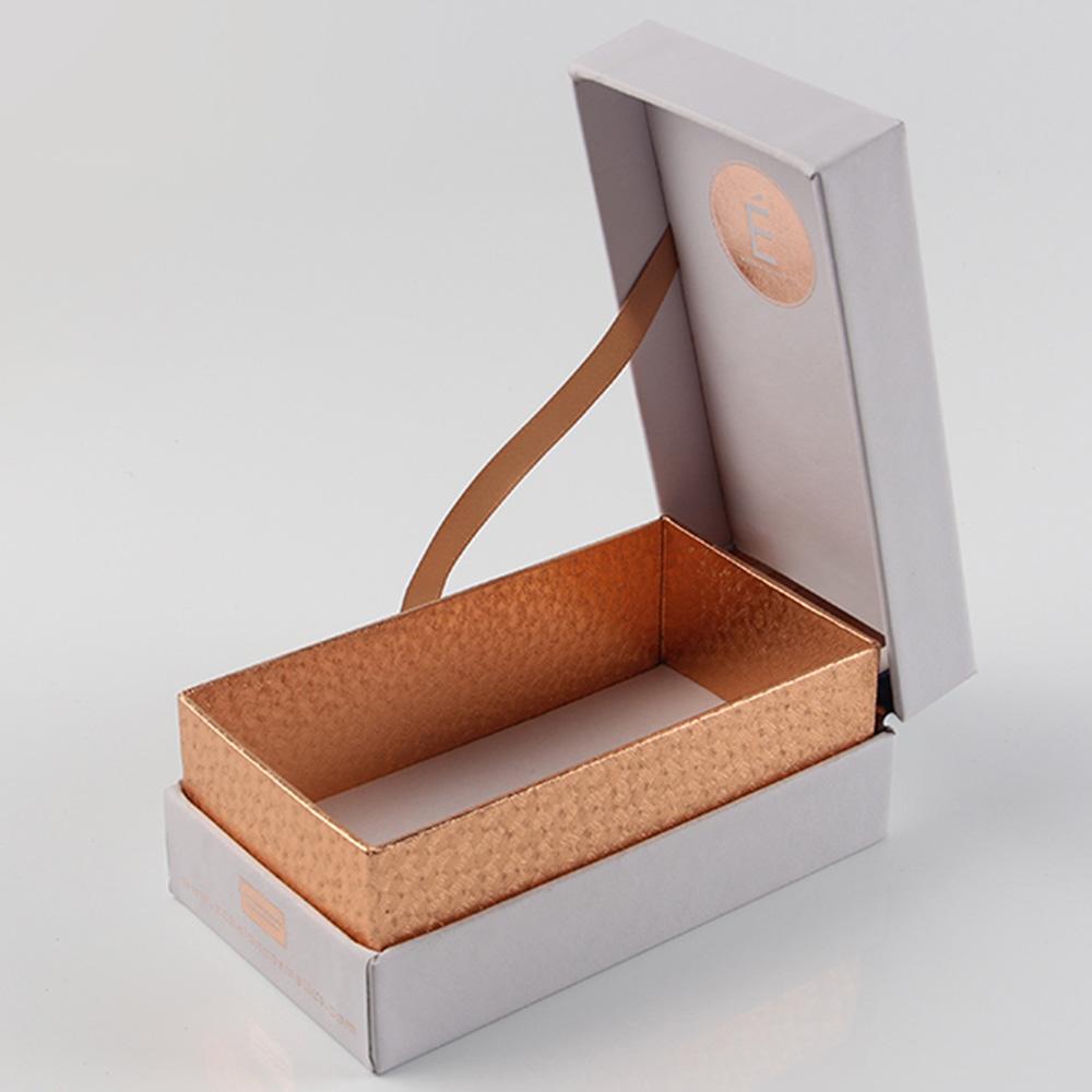 香水礼品钢铁标签盒厂家的新宠却又不太乐意主推的内托搭配